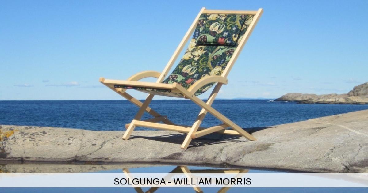 Bild på solstol från Solgunga med tyg från William Morris